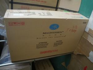 老舗MAGNUSSENの箱