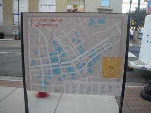 これ、ハイポイントの中心部マップです。青いのは全部会場になります。(このほかに郊外にも展示場があります)